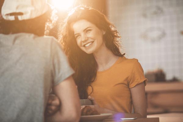 ええ子やのぉ♡男性が考える「優しい女性の特徴」4つ