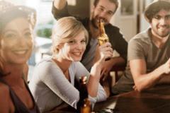 第一印象100点♡モテ女が飲み会で「本命候補になるためしていること」4つ