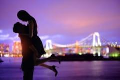 こっそりチューさせて♡デート中に見つけた「キスできる場所」4つ