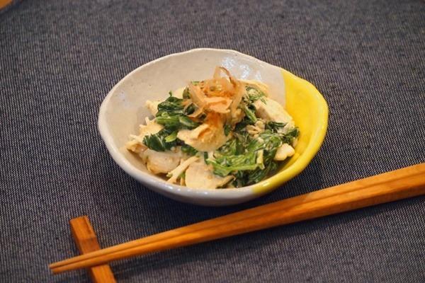 食べ応えのある簡単副菜!「鶏ささみとほうれん草のゴママヨ和え」