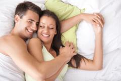 今夜は寝ちゃダメ…♡男が「朝まで抱きしめてたい女」の特徴4つ