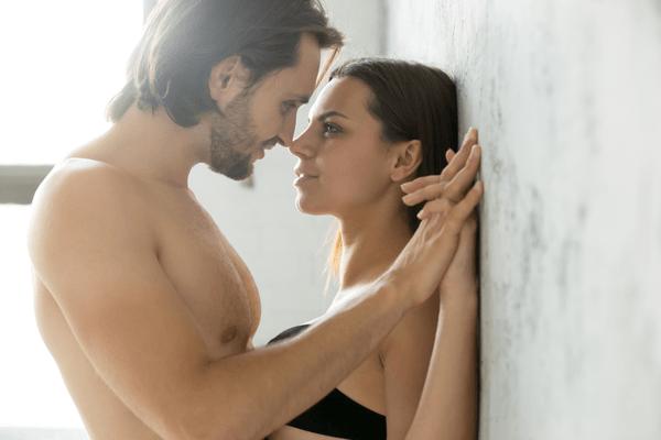 奉仕できてる…?男がセックス中に「最低限やってほしいこと」とは