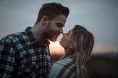 どんなけ可愛いのっ…!男が思わず見惚れる「キスの仕草」4選」