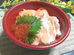 お値段なんと○○○円?!【はま寿司】寿司屋のサーモン丼がお家で食べれるってホント?!