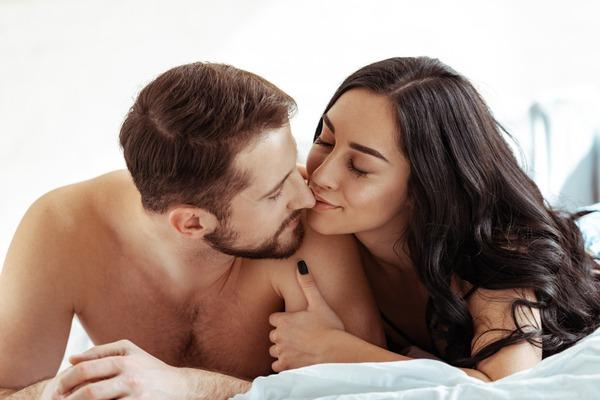 もう我慢できないっ♡セックスで「男を絶頂させるテク」4つ