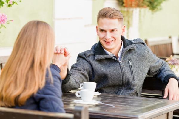 あーもう好きすぎてやばい…デート中に彼が喜ぶ「愛の言葉」4選