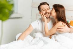 おはようのチューだけじゃ足りん♡男が喜ぶ「朝エッチの魅力」4つ