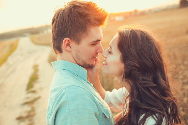 こんなの初めてです…♡年下男がハマる「大人のキス」の仕方