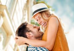 突然ハグ…♡男性が無意識に「彼女を抱きしめたくなる瞬間」っていつ?