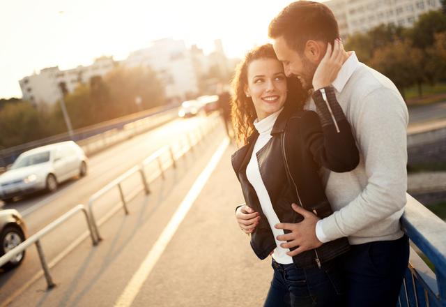 今すぐ抱きしめたいッ…!男性が【会いたくなる女性】の共通点4つ