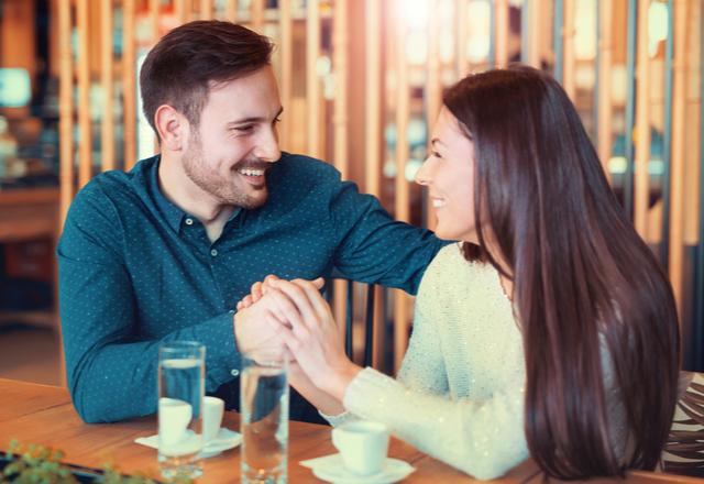 君を愛してる証拠!男が「本気で好きな彼女」に言うセリフ4選