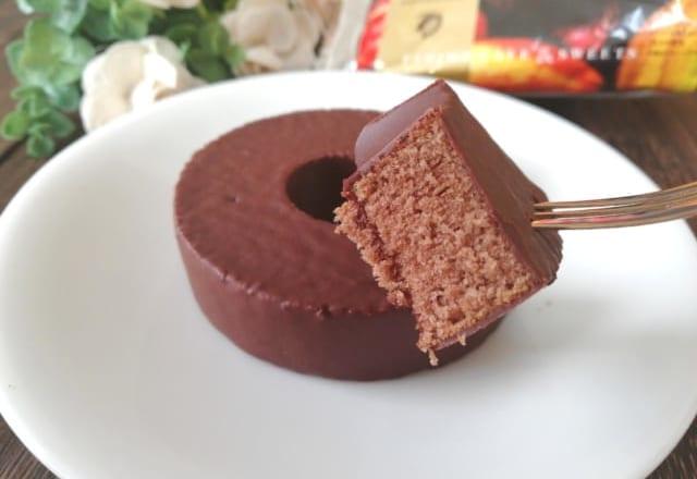 【ファミマ】のケンズカフェ東京監修「チョコがけバウムクーヘン」