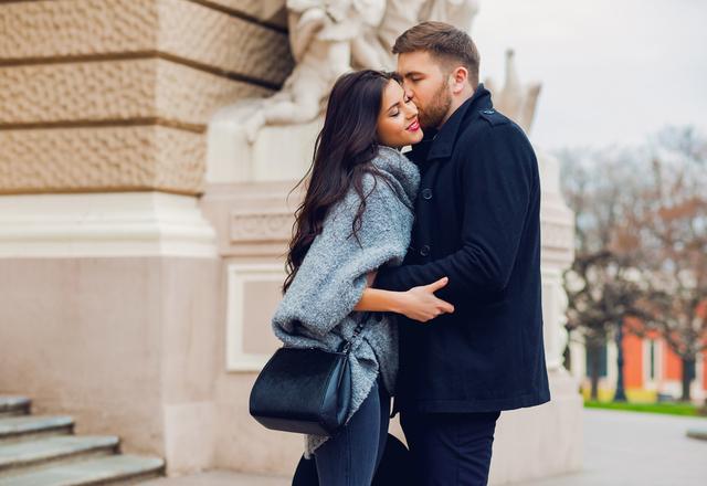 今すぐこっち来て♡男性が思わず「抱きしめたくなる瞬間」っていつ?