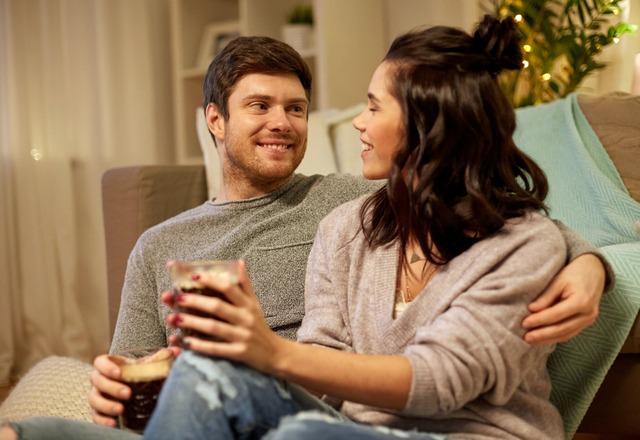 何年経っても【夫から溺愛される妻】が家で「いつもしていること」4つ