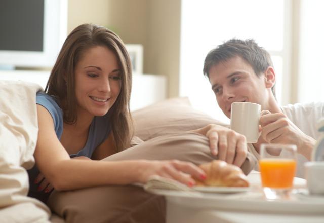 「いつまで寝てるの?」妻が「休日に一緒にしたい」と思ってるコト