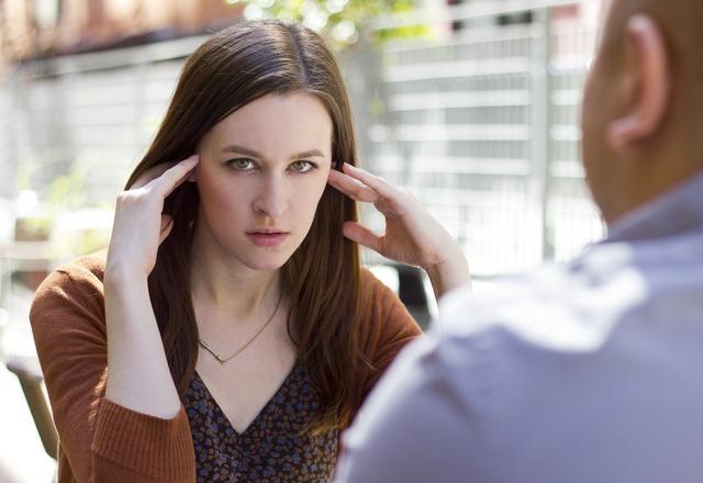 「真面目すぎる!」女性が気にしすぎ!と思う「男性の気遣い」4つ