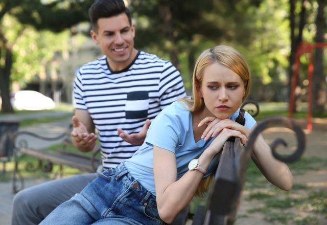 言わないであげて!妻が傷つく「夫からのアドバイス」4選