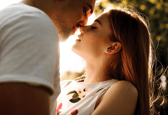 「俺のヨメかわいすぎ〜♡」夫が悶絶する【妻からのキスのおねだり】とは?