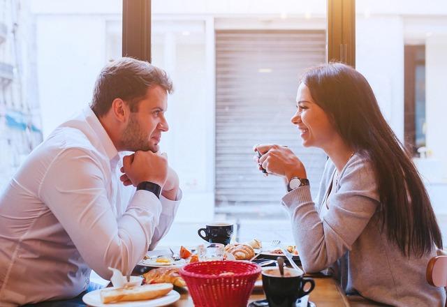 """女性が""""一緒にいて楽しいと感じる男性の特徴""""その必須条件とは…?"""