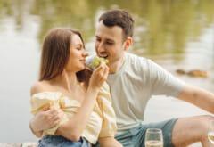 結婚してください…!多くの男性が思う「ずっと隣にいてほしい女性」とは?